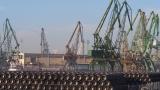 Експерти проверяват контейнера с радиоактивни отпадъци във Варна