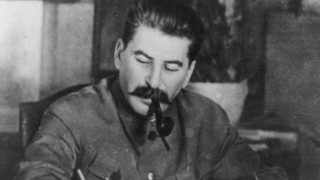 Стотици руснаци почетоха жертвите на сталинисткия терор в Москва