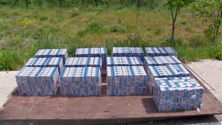Полицаи задържаха огромно количество контрабанден тютюн и цигари
