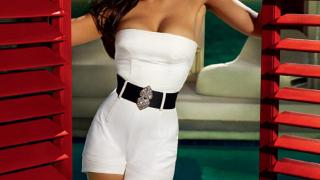 Джесика Алба е звездата от новия календар на Campari (галерия)