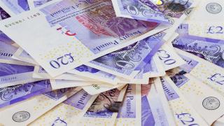 Паундът ли ще е най-горещата валута през 2018 г.?