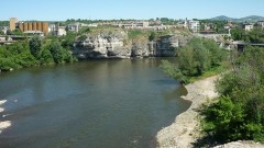 12-годишно дете се удари в река Искър