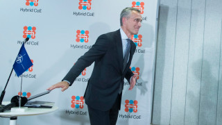 НАТО не иска нова Студена война с Русия