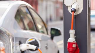 Европейците все повече обръщат гръб на дизела и бензина