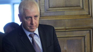 Все повече млади лекари остават в България според здравния министър