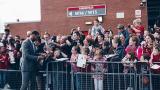 Рио Фърдинанд склони, става директор в Манчестър Юнайтед