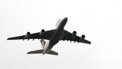 С ескорт от МИГ 29 посрещнахме най-големия пътнически самолет в света
