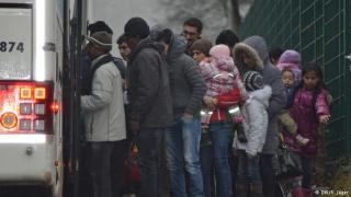 Службите нащрек заради аларма за атентат от Европол, Средната сума за втора пенсия мина 2400 лева