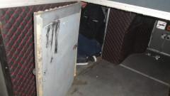 Задържаха петима мигранти, укрити в тайник на автобус
