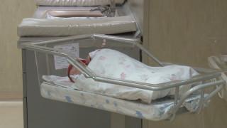 3300 майки изоставят болни и нежелани деца