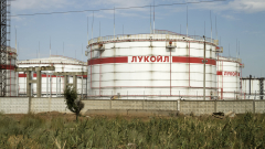 """Евтиният петрол и слабата рубла са стрували близо $670 милиона загуба на """"Лукойл"""""""