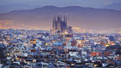 """Закъснения и дълги опашки на летище """"Ел Прат"""" в Барселона заради стачка"""
