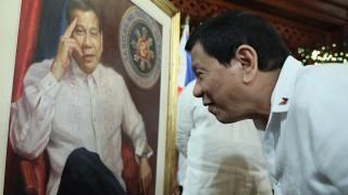 Дутерте в сблъсък с църквата – иска да узакони еднополовите бракове във Филипините