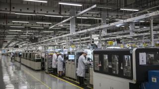 Заводите в Европа наемат нови работници с невиждан темп