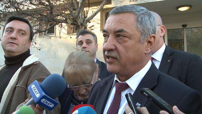 """Валери Симеонов се чул с Борисов, засега """"сделка"""" нямало"""