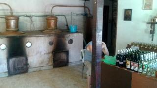 Тонове нелегален алкохол варят и продават монасите в Поморие
