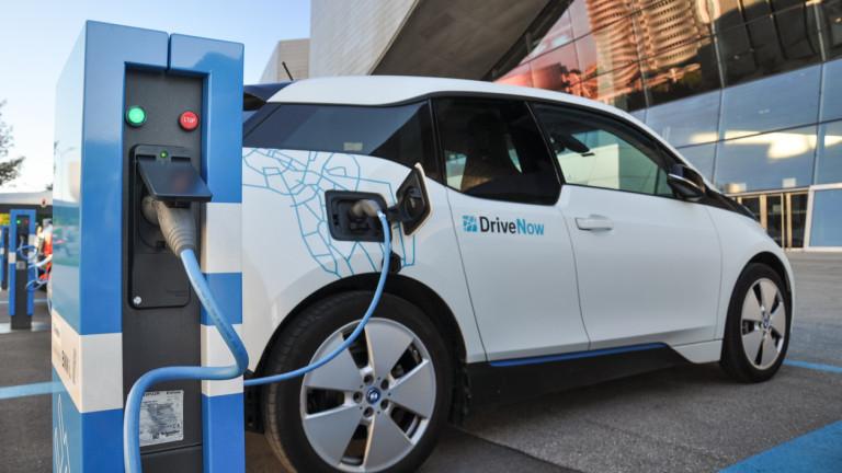 Германската автомобилна индустрия трябва да инвестира сериозно в технологиите за