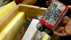 Откриха черните кутии на падналия самолет в Индонезия