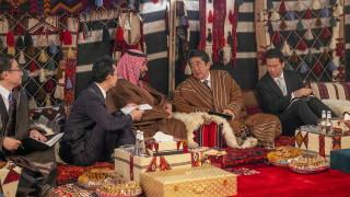 Японският премиер в Рияд: Военен сблъсък с Иран би засегнал целия свят