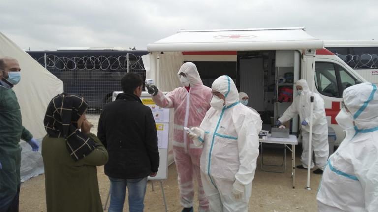 Гърция ограничава движението в мигрантските лагери заради коронавируса