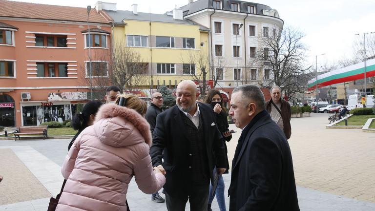 Министър Кралев проведе работна среща с представители на спортните клубове в Сливен