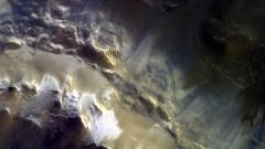 Буря на Марс заплашва марсоход на НАСА след 14-годишна мисия