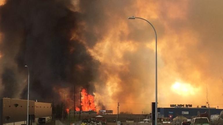 Канадската провинция Албърта се възстановява след пожара