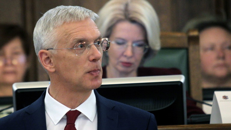 Латвийският парламент одобри днес ново коалиционно правителство начело с премиера