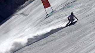 Сезонът в алпийските ски започна с норвежка победа