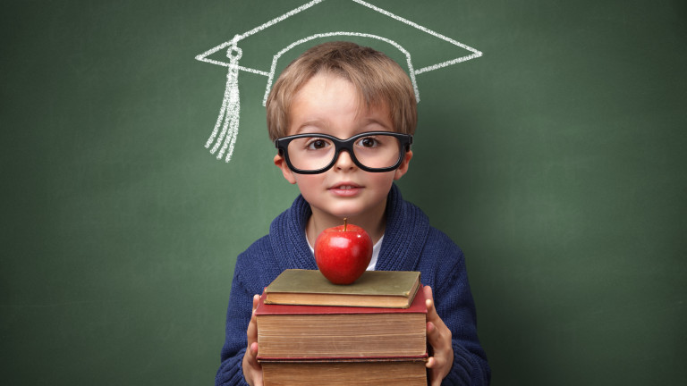 """Над 420 хил. деца са включени в схемите """"Училищен плод"""" и """"Училищно мляко"""""""