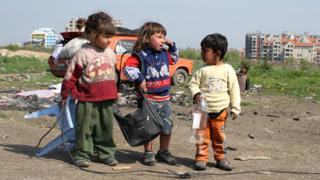 5-годишен в банда за обири в Сливенско
