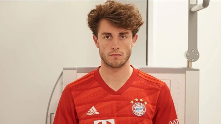 Байерн (Мюнхен) официално обяви привличането на десния защитник Алваро Одриосола.
