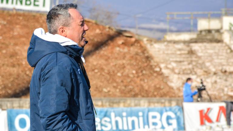 Славиша Стоянович няма намерение да променя схемата на Левски за битката със Славия