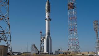 В Русия търсят космонавти за Луната