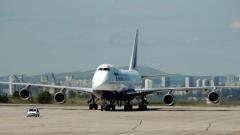 Летищата във Варна и Бургас обслужиха с 3.1% повече пътници през 2014 г.
