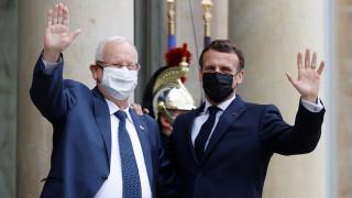 Макрон призовава Иран да уважи ядрената сделка и да се държи отговорно