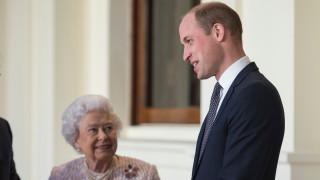 Кралицата награди Уилям след напускането на Хари