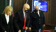"Бивш шеф от ""Военно разузнаване"" ръководел шпионска група"
