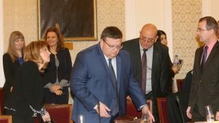 Цацаров дава Марешки на спецпрокуратурата