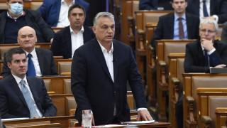 Унгария плаща на здравните работници бонуси от $1500