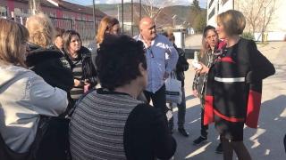 Манолова атакува със закон некоректни работодатели