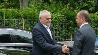 Заплашвалият президента и Нинова е освободен от ареста