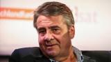 Зигмар Габриел: Политическата шашма с Лайен може да събори коалицията на Меркел