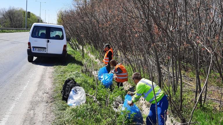 16 тона отпадъци почистиха и извозиха в последните дни в