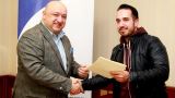 Красен Кралев връчи договорите на Младежките информационно-консултантски центрове от цялата страна