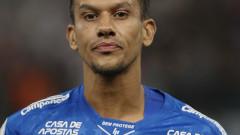 Футболист на Крузейро като по чудо оцеля при катастрофа