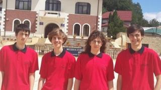 С два златни медала се завръща българският олимпийски отбор по информатика