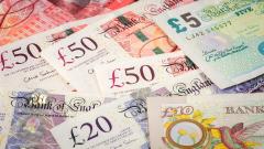 Британският паунд падна до най-ниската си стойност от 1985-а насам