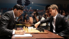Битката за шахматната корона започна в Сочи