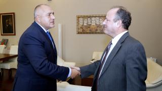 Премиерът и американският посланик разговаряха за мигрантите